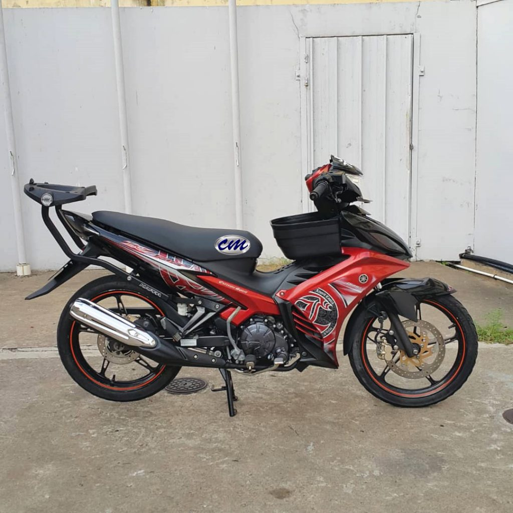 Yamaha LC 135 ES ( Clutch tangan & 5 speed ) 2015